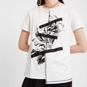 """""""Desigual"""" T-shirt with floral design and patch"""